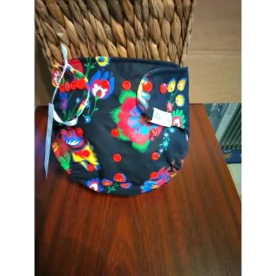 Manóca mosható zsebes pelenka - fekete kakasos virágos (8-18 kg)